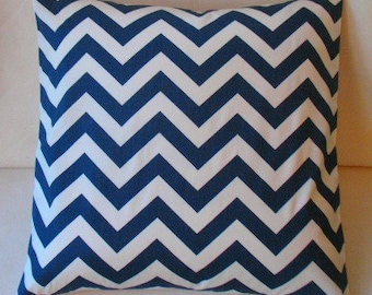 BRAND NEW Set  Two Designer Throw Pillow Covers 16x 16   Navy  Zigzag Both Sides