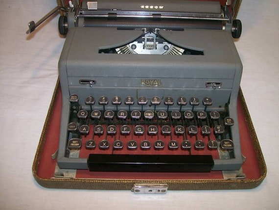 USB Typewriter -- Works as a USB Keyboard or iPad Keyboard