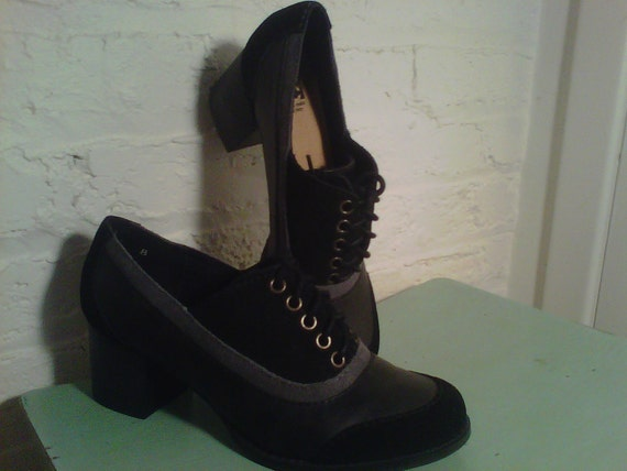 1940s Style Fantastic Two Tone Leather and Suede Lace Up Shoes