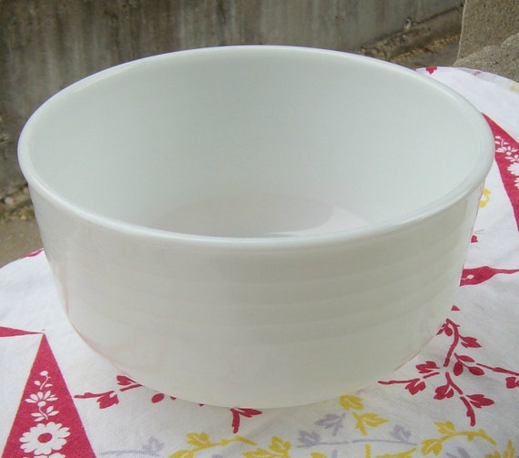 pyrex milk glass bowl