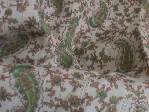 Vintage 1950's Green Paisley Cotton Fabric for Crafting Quilting and Clothing 2 Yards