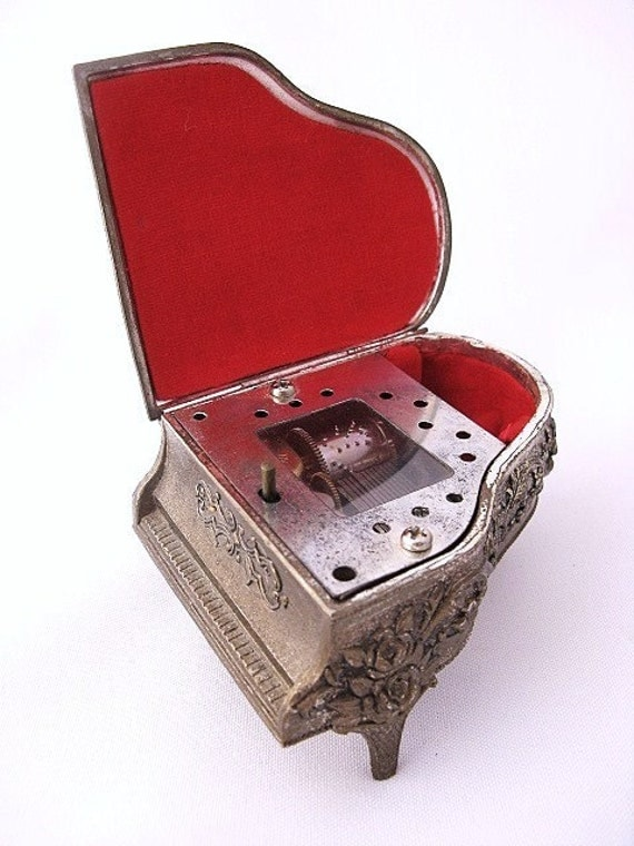 Vintage Grand Piano Shaped Musical Ring Jewelry Box Japan