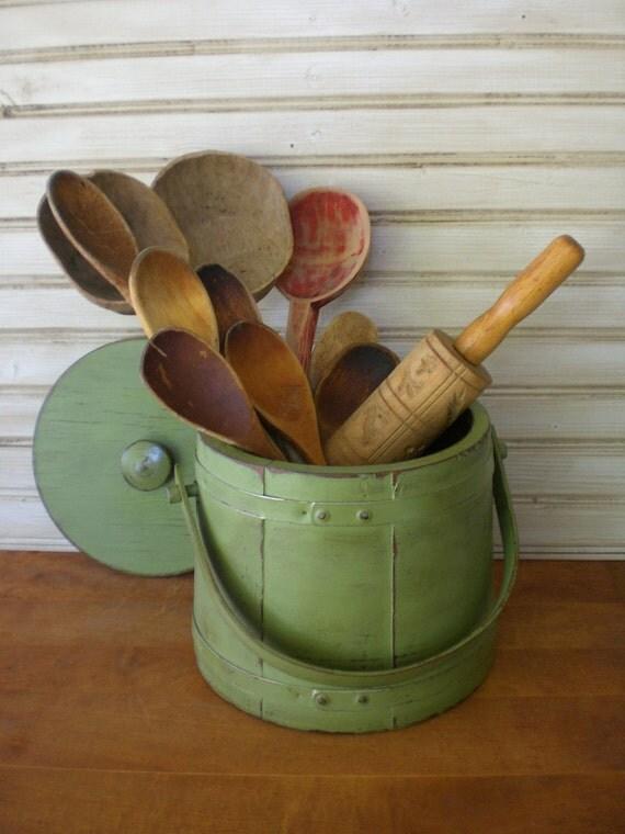 Vintage Primitive Wooden Firkin Sugar Pantry Bucket Pail Lid Wood Green