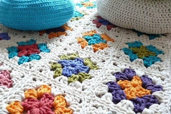 tapis grand m re carr en crochet par lacasadecoto sur etsy. Black Bedroom Furniture Sets. Home Design Ideas