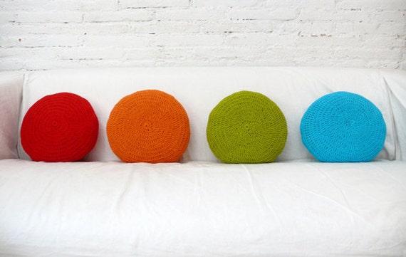 Round Pillow Crochet - orange