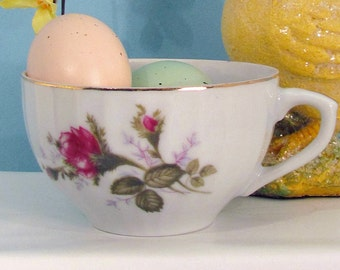 Pink Moss Rose design on scalloped teacup from Japan