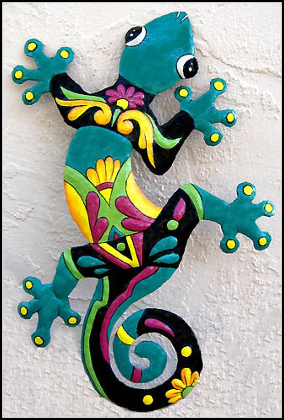 Gecko outdoor wall hanging 24 painted metal by tropicaccents for Garden wall painting designs