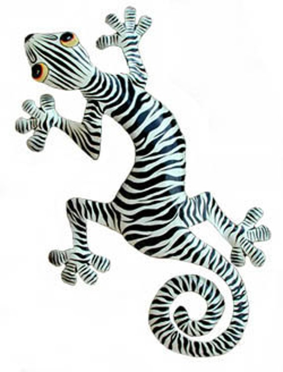 Hand Painted Gecko w/ Zebra Coloring - Painted Metal Tropical Wall Hanging - Handcrafted Metal Garden Art - Gecko Wall Decor - K-1052
