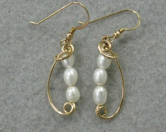 Fresh Water Pearl and 14k Goldfilled Wire Earrings