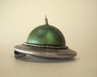 Flying Saucer Christmas Tree Ornament Big Beauty Classic Wood Retro Alien UFO Dangle