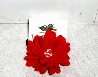 Red felt flower hair elastic