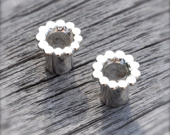 2 Gauge Silver Scalloped Tunnel Plugs- made to order