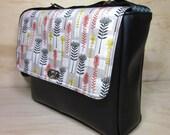 Messenger bag / satchel small - black vinyl - proteas