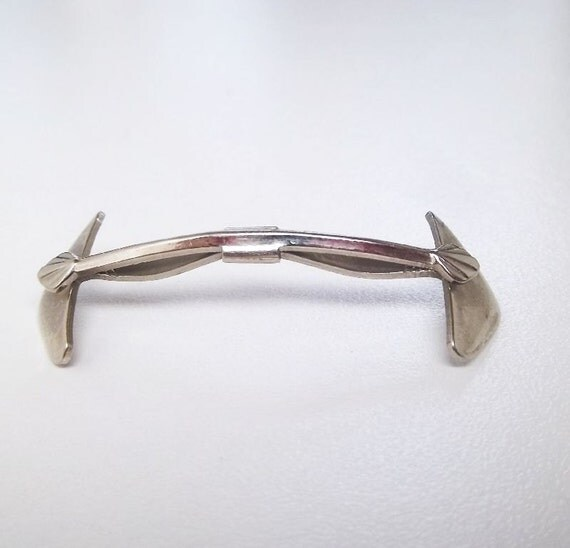 RINK-LESS  silver tone collar holder 1940s 1950s