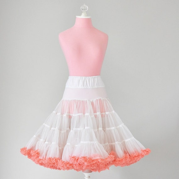 vintage 1950s white and pink petticoat (m)