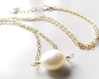 Simple Freshwater Pearl Pendant Gold Filled Necklace