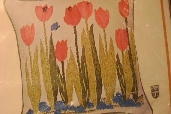 Bucilla Crewel Embroidery Pillow Kit Belgian Linen Tulips Never Opened