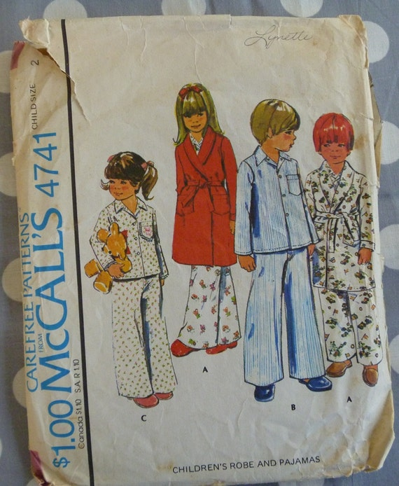 Vintage 1975 McCalls Pattern..4741..Toddlers Robe and Pajamas Pattern..Size 2