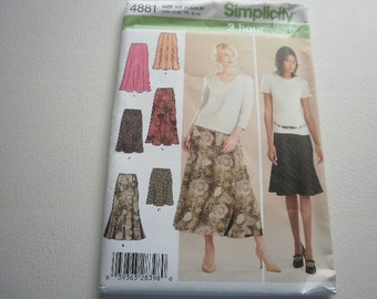 Pattern Ladies Skirts 6 Styles Sizes 14 to 20 Simplicity 4881