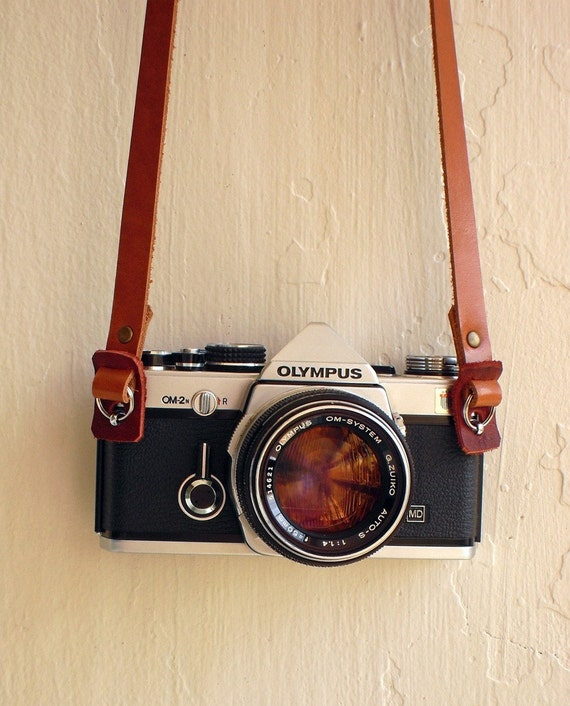 Leather camera strap by hideindustrie on Etsy - photo#3