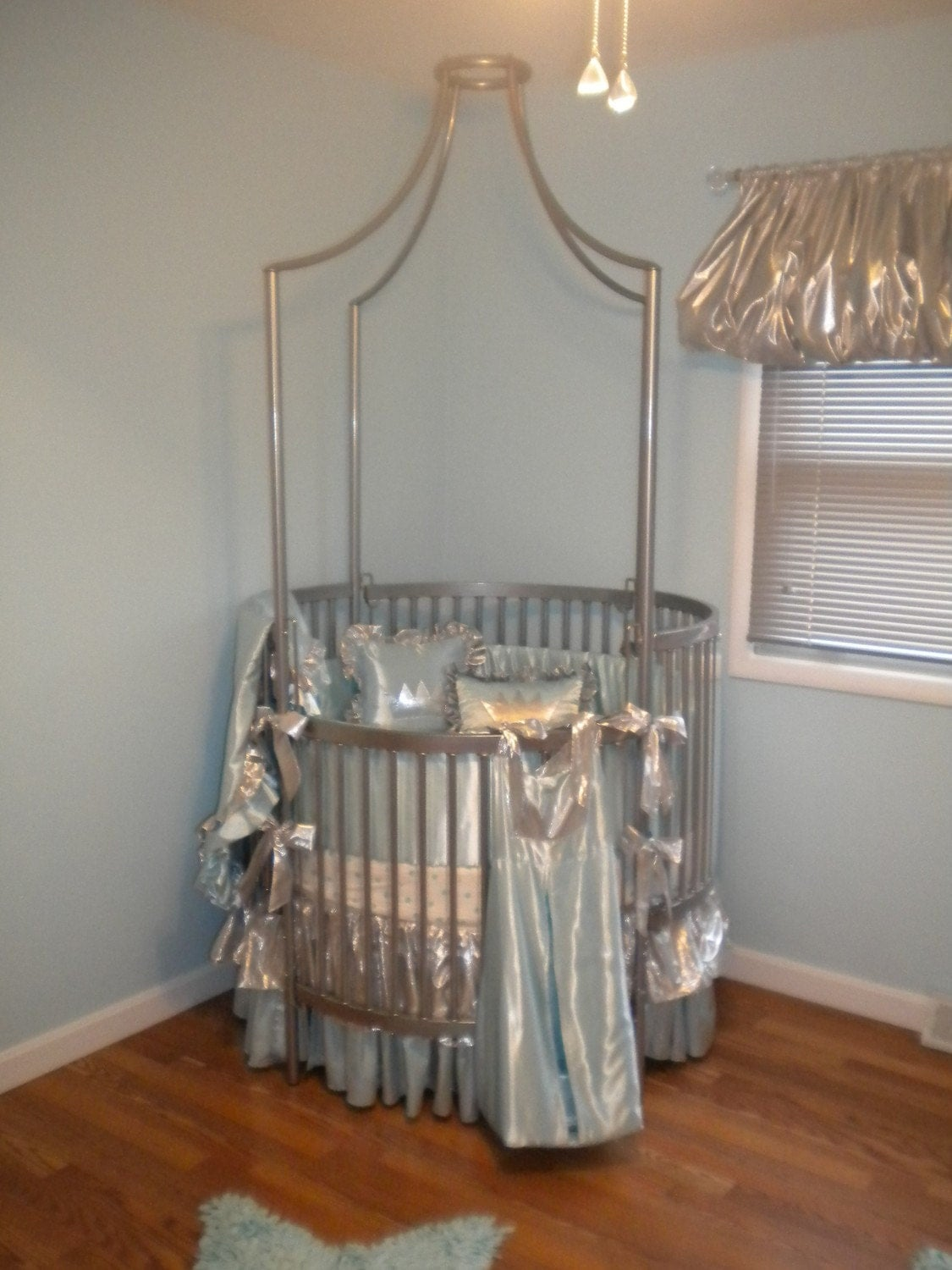 CUSTOM Round Crib Bedding & Sheets by DiamondCouture on Etsy