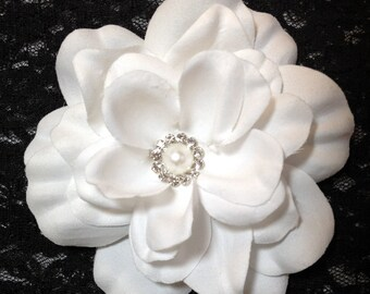 White Gardenia Bridal Flower Hair Clip White Wedding Flower Camellia Hair Piece White Bridal Gardenia Fascinator White Camellia