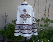 A vintage 1960s 1970s cream and brown acrylic knitted aztec bird tribal ethnic design sweater poncho cape coat size S M L
