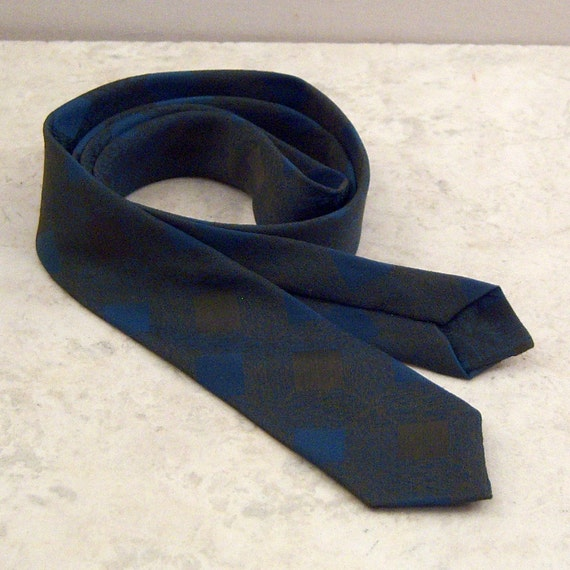 Skinny Necktie Blue and Green Wembley