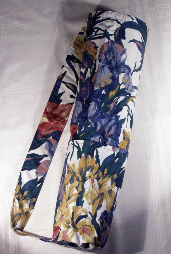 Yoga Mat Carrier - White with Large Blue Flowers