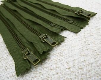 7inch - Hunter Green Metal Zipper - Brass Teeth - 5pcs