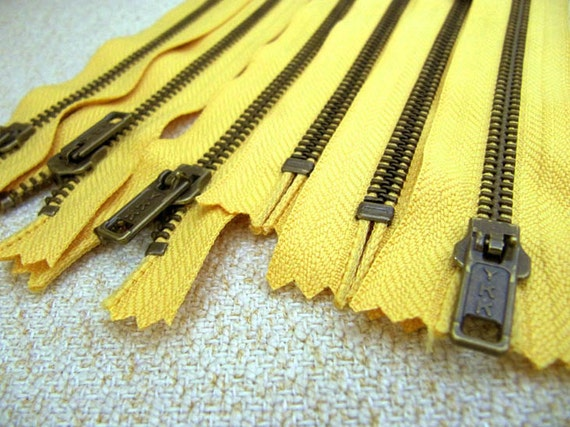 LAST: 6inch - Buttercup Yellow Metal Zipper - BrassTeeth - 2pcs