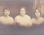 Three Ladies - Vintage Photograph, Vernacular, Found Photo, Ephemera  (Z)