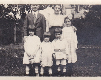 Mother, Father and Four Children - Vintage Photograph, Vernacular, Ephemera