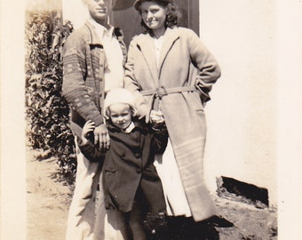 Couple With Little Girl - Vintage Photograph