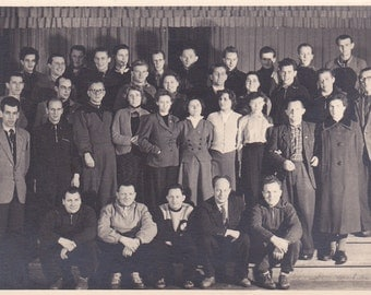 Group of Young People - Vintage Photograph, Vernacular, Found Photo, Snapshots