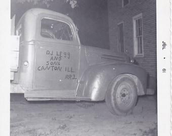 Vintage Photo - Old Truck - Vintage Photograph - Snapshot, Vernacular  (AA)