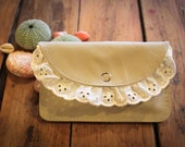 NZFINCH Cream leather, iPhone wallet with lace trim