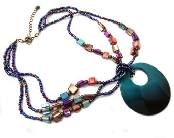 Chunky Shell Necklace Bold 80s Style Dyed Shell Chunky Pendant Teal