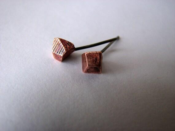Facet copper titanium posts