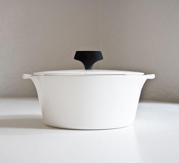 Mid Century Modern Corning Ware Pot