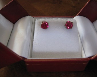 Clear RED - Crystal Twinkling Earrings - I -