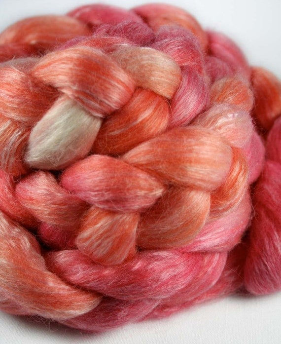 BLOOD ORANGES / Bamboo, Wool, Alpaca roving - 4.0 oz
