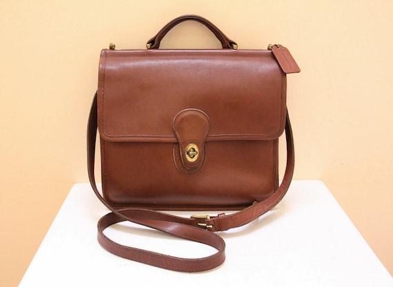 Vintage Coach Tan Color Leather wills Messenger Bag with Shoulder Strap  // Cross Body // Shoulder Bag