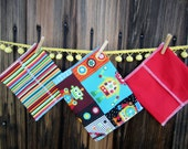 SALE 3 bags - Reusable Ecofriendly Sandwich Bag  and 2 Snack Bags - Robots and Primary Strip