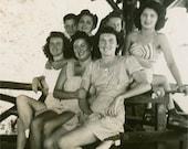 Friends 1940s Original Vintage Photo 292