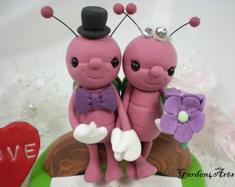 Wedding Cake Topper-Love Firefly Couple HAND HOLD HAND with Sweet Log and Grass Base