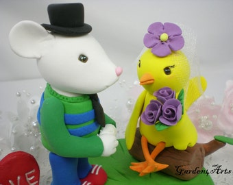 Wedding Cake Topper--Customise Mouse & Bird Love with Sweet Log and Grass Base