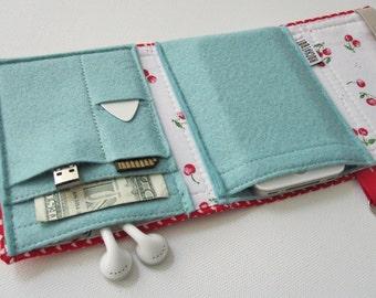 Nerd Herder gadget wallet in Sweetheart for iPod, Android, iPhone 6, MP3, digital camera, smartphone, guitar picks