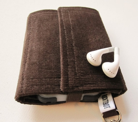 Nerd Herder gadget wallet in Moss Forest for iPod, Droid, iPhone, camera, earbuds, SD cards, USB, extra batteries, guitar picks,