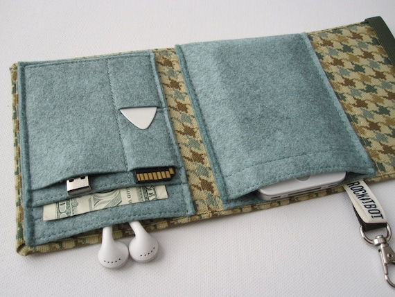 Nerd Herder gadget wallet in Verdigris for iPod, Droid, iPhone, camera, earbuds, SD cards, USB, extra batteries, guitar picks,